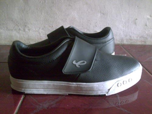Sepatu Piero Perekat | sepatufutsalku