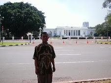 depan istana Merdeka