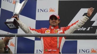 [Felipe Massa en el podio - foto felipemassa.com]