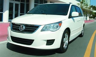 [Clic para agrandar - Volkswagen Routan y su Baby Boom - automOndo.com.ar]