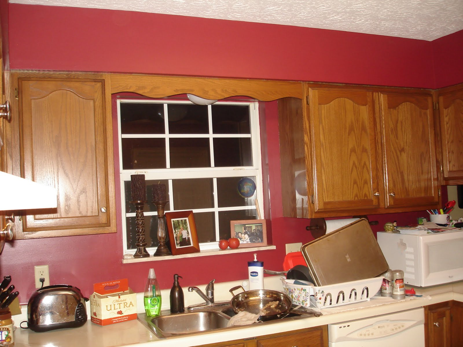 Painting kitchen cabinets color schemes choose ideas for White cabinets red walls kitchen