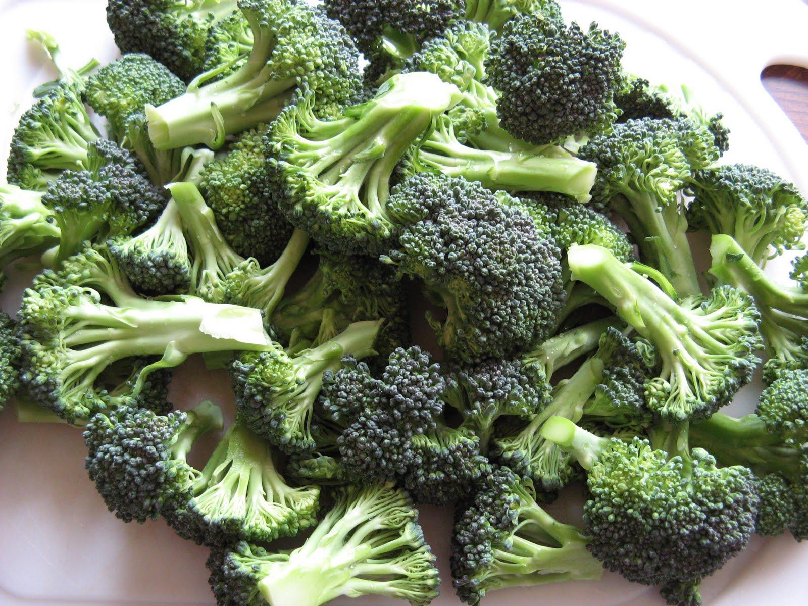 The Well-Fed Newlyweds: Double Broccoli Quinoa