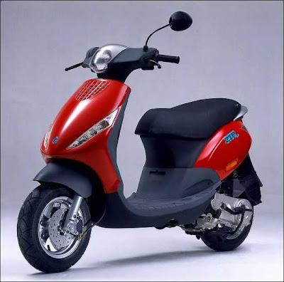 the elegant motorcycles piaggio zip great motorcycles. Black Bedroom Furniture Sets. Home Design Ideas