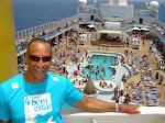 Eu em um dos navios da Costa!