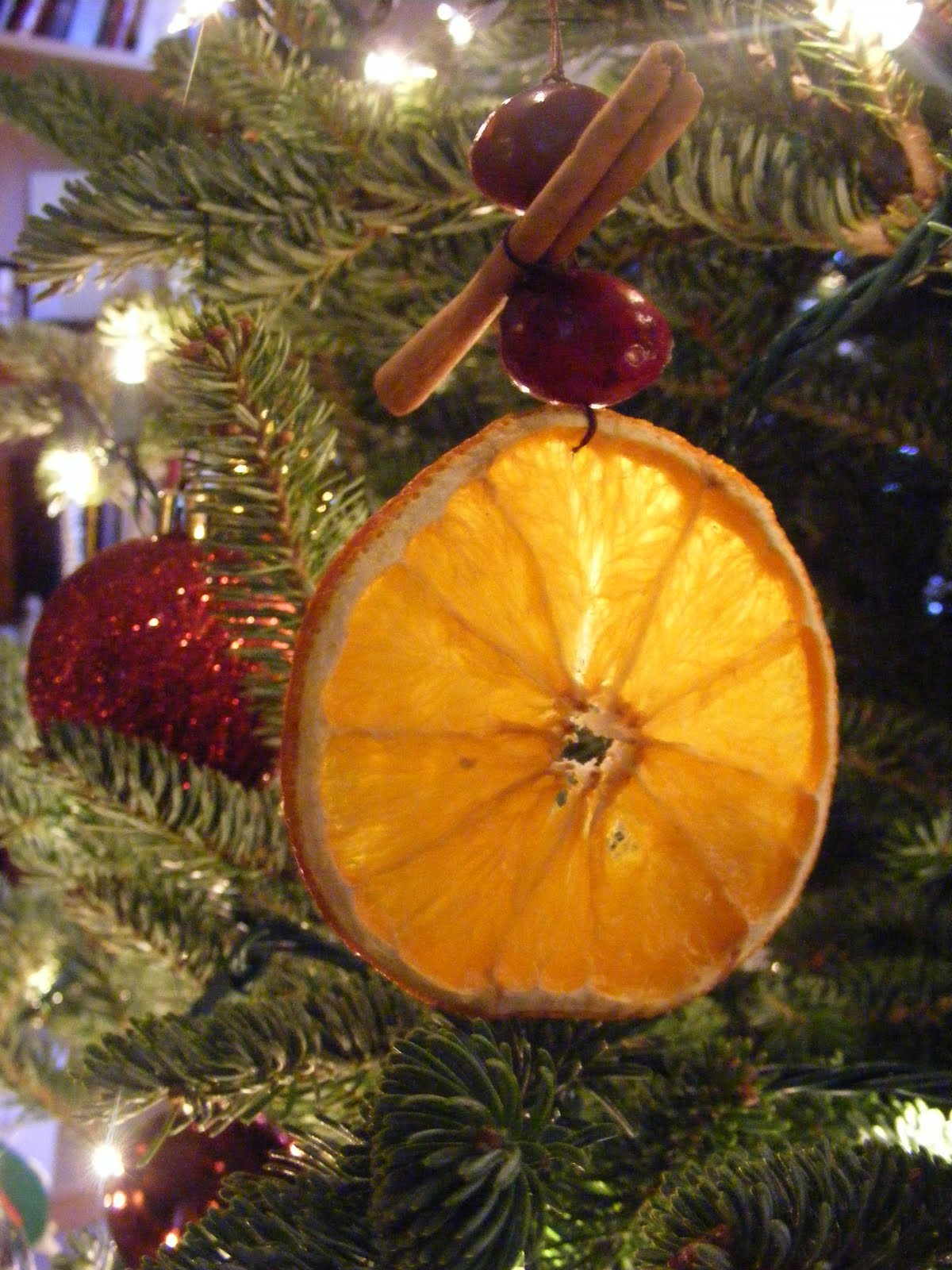 Everyday art dried orange ornaments for Baking oranges for christmas decoration