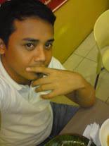 Ang May-akda