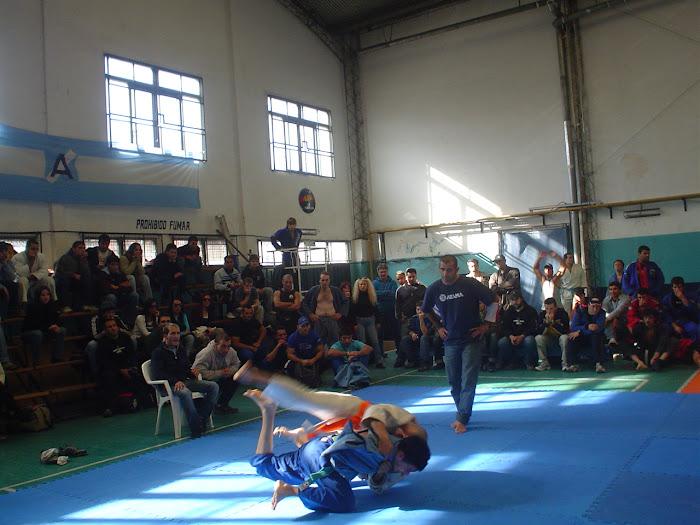 Dario Ferrara ( Torneo de la liga argentina de jiu jitsu) 2005