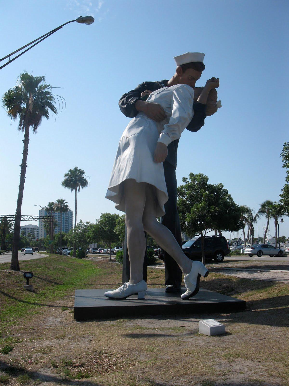 Vj Day Statue