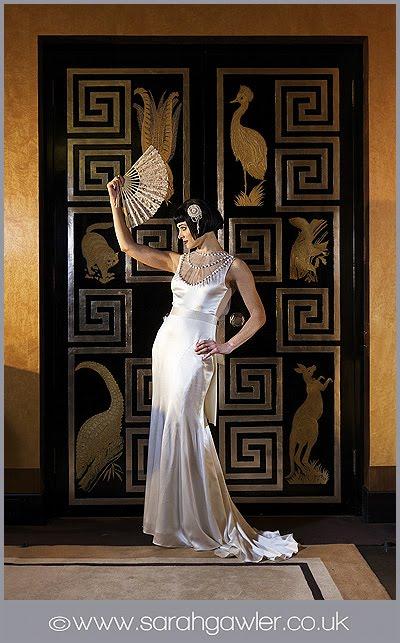 mariages r tro robes de mari es ann es 20 et ambiance art d co. Black Bedroom Furniture Sets. Home Design Ideas