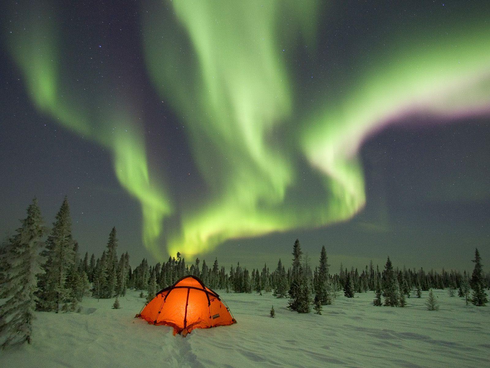 http://2.bp.blogspot.com/_oVSnjqERMLA/TOf-y8v94cI/AAAAAAAAAA8/Lj2ZrBKzqKw/s1600/aurora-borealis.jpg