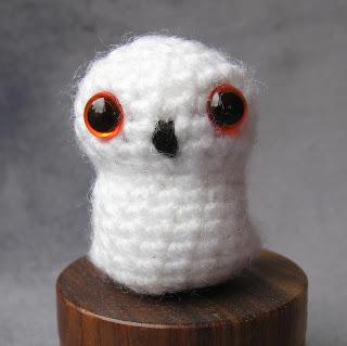 Amigurumi Owl Beak : LucyRavenscar - Crochet Creatures: The Owl.....