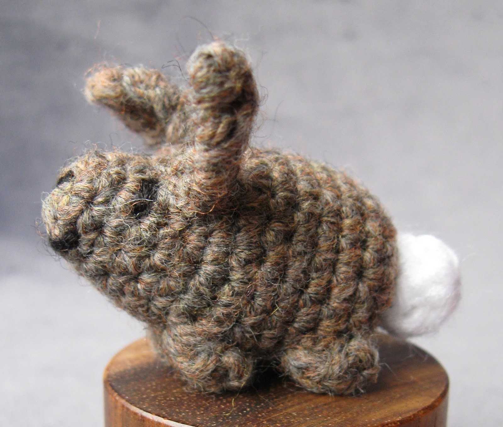 Free Crochet Pattern For A Rabbit : LucyRavenscar - Crochet Creatures: Free Pattern: Tiny ...