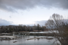 Salto de la presa en Sangüesa