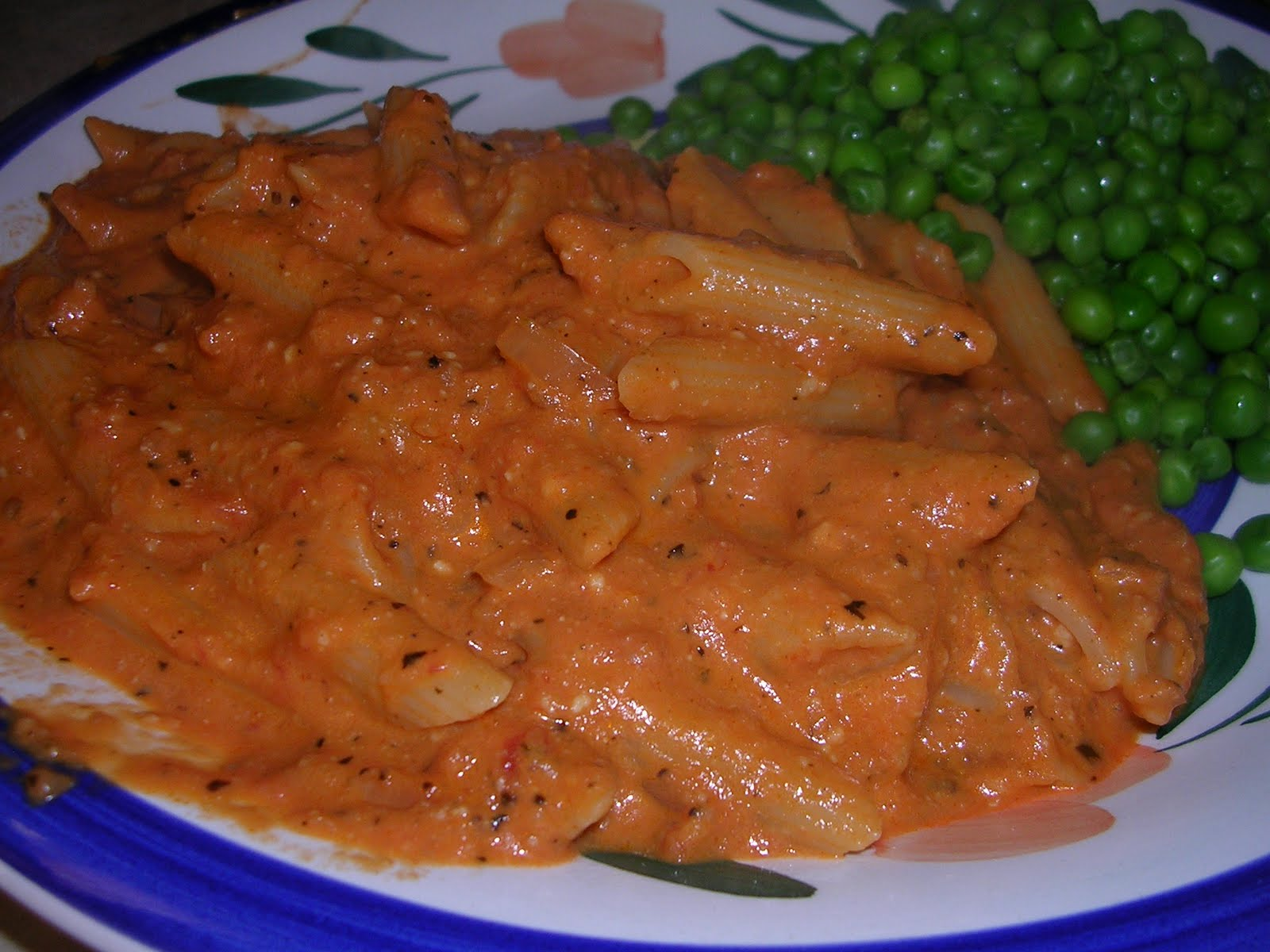 Tried and True Yummy Recipes: Pasta with Tomato Cream Sauce