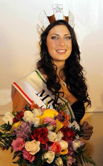 Foto della Festa a Foligno per Francesca Testasecca Miss Italia