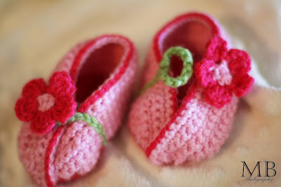 love these shoes she makes for little ones she says its the most  Mother S Moms Love Moms Love Of Crochet Baby Ball