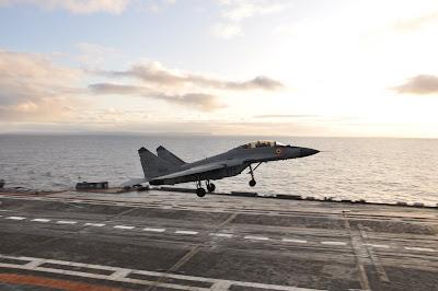 A Rússia vai comprar 24 MiG-29K para o seu porta-aviões Admiral Kuznetsov