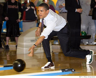 Obama bowling in Pa