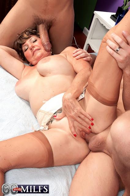 porno-foto-golaya-buzova