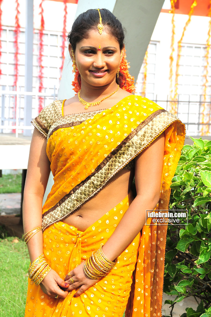 Tamil Actress Navel Show