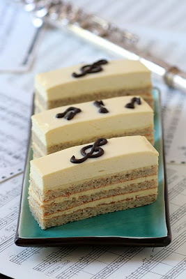 Honey and Lavender Opera-Copyright©Tartelette 2008