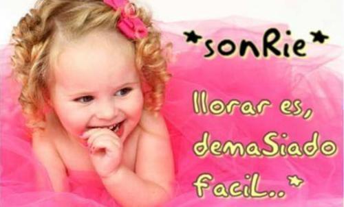 Sonrie,, llorar es, demasiado faciL ...♥