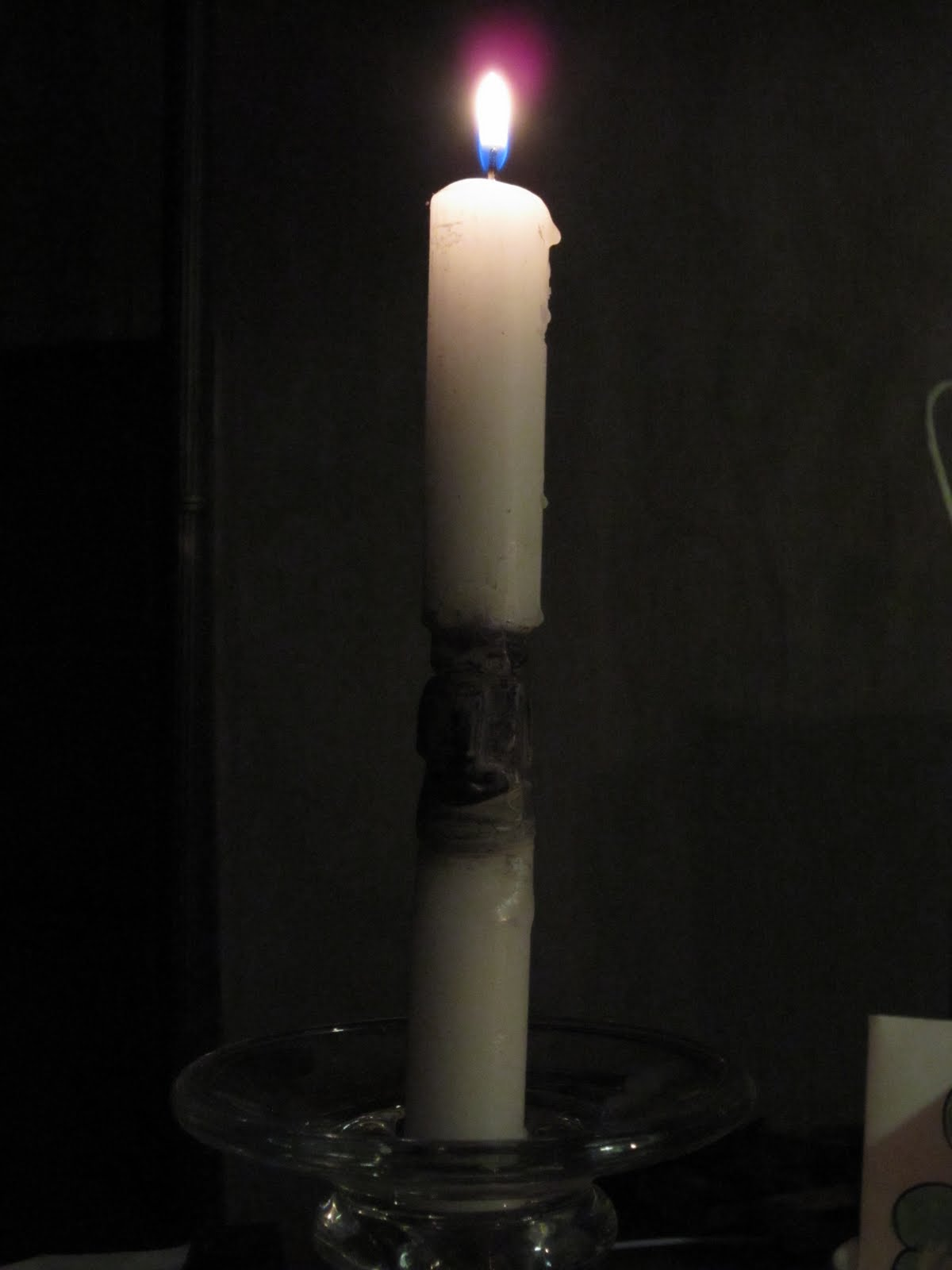 how to avoid candle soot