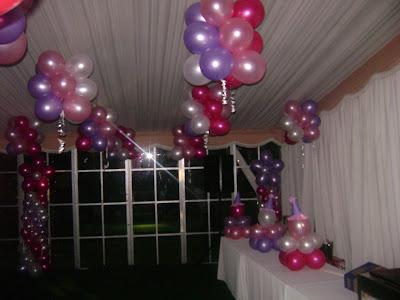 Decoracion con globos en el techo - Decoraciones para techos ...