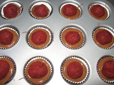 Absinthe Makes the Tart Grow Fonder: Cupcake Bites and Cake Pops!!!