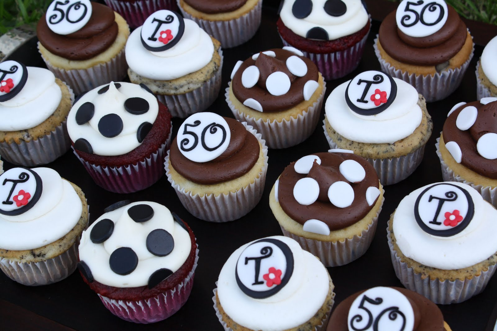 Black And White Cupcake Images : Images Of Black And White 50th Cupcakes Birthday Cupcake ...