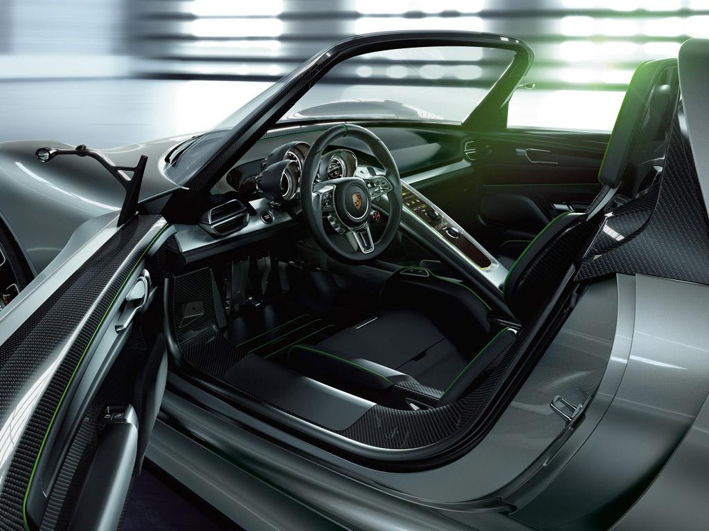 porsche 918 spyder is go autoesque. Black Bedroom Furniture Sets. Home Design Ideas