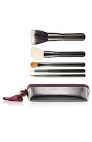 Brushes on Best Things In Beauty  Mac Holiday Makeup Brush Sets   Discounted At