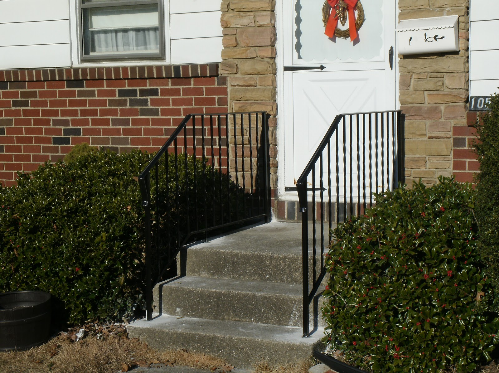 Home remodeling and improvements tips and how to 39 s wrought iron railing designs wrought iron Exterior wrought iron railing designs