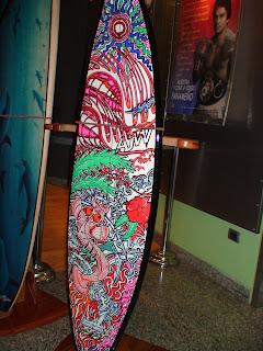 Cabina 14 los dise os de gustavo giler en tablas de surf - Disenos de tablas de surf ...