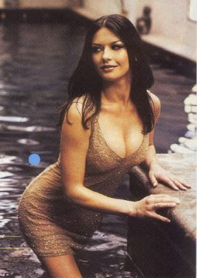 Catherine Zeta Jones Sexy Pics