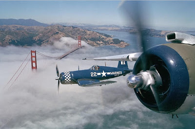 Pictures Of Plane Passing The Golden Gate Bridge