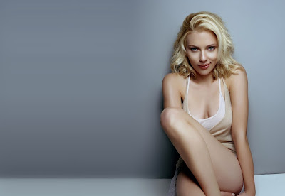 Scarlett Johansson Sexy Photo Gallery