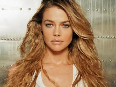 Sexy Denise Richards Photos and Pics