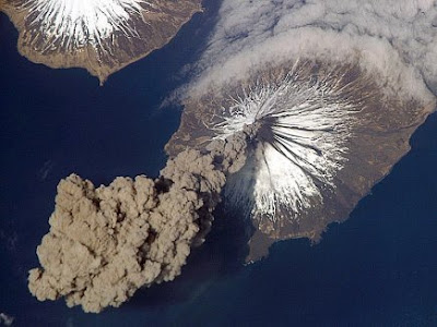 Simulating volcanos