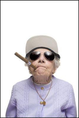 http://2.bp.blogspot.com/_osrVjnPbdEM/SC6zkmszPfI/AAAAAAAABKI/DvBJOtthv8g/s400/Funny+Grandma+12.jpg