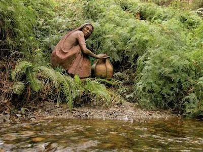 http://2.bp.blogspot.com/_osrVjnPbdEM/TA_-Ey71d5I/AAAAAAAAdFY/ttgmymtvHIc/s400/Garden_wooden_sculptures_9.jpg