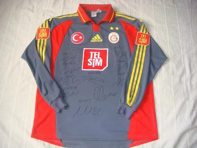 2000 2001 sezonu lig maçlari yildizli türk bayrakli formalar