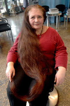Darka Jakymchuk before the haircut