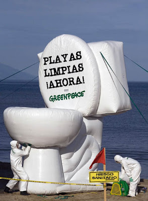 Protesting Against Sewage Discharge With Inflatable Toilet