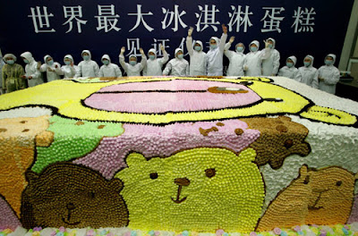 World's largest Ice-cream cake