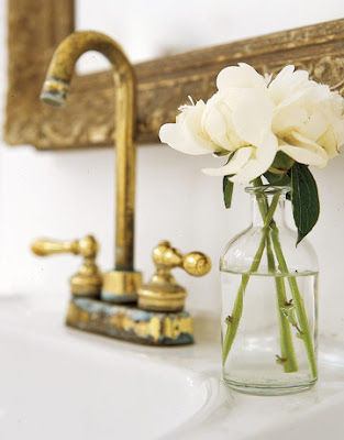 Tid for å fylle huset med levende velduftende vakre blomster!
