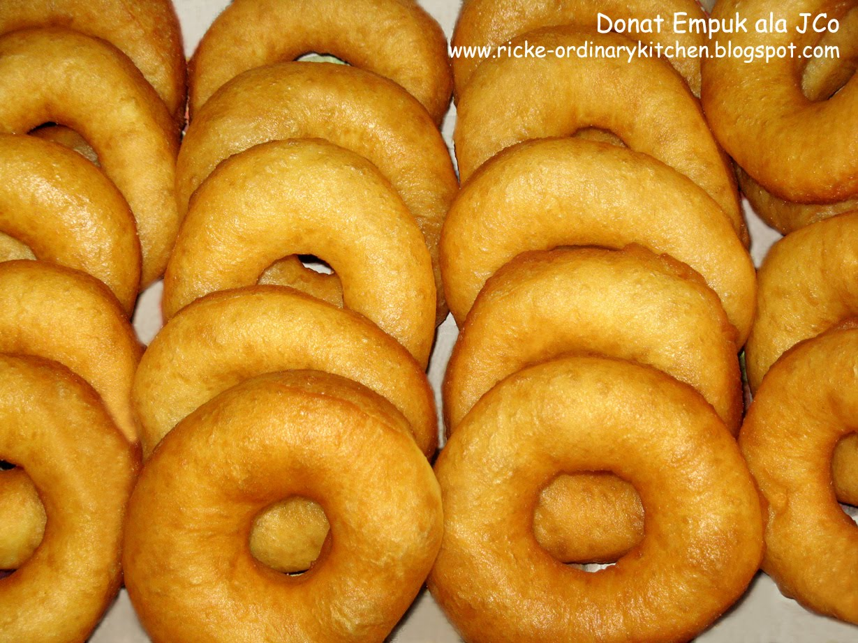 Just My Ordinary Kitchen: DONAT EMPUK ala J.Co