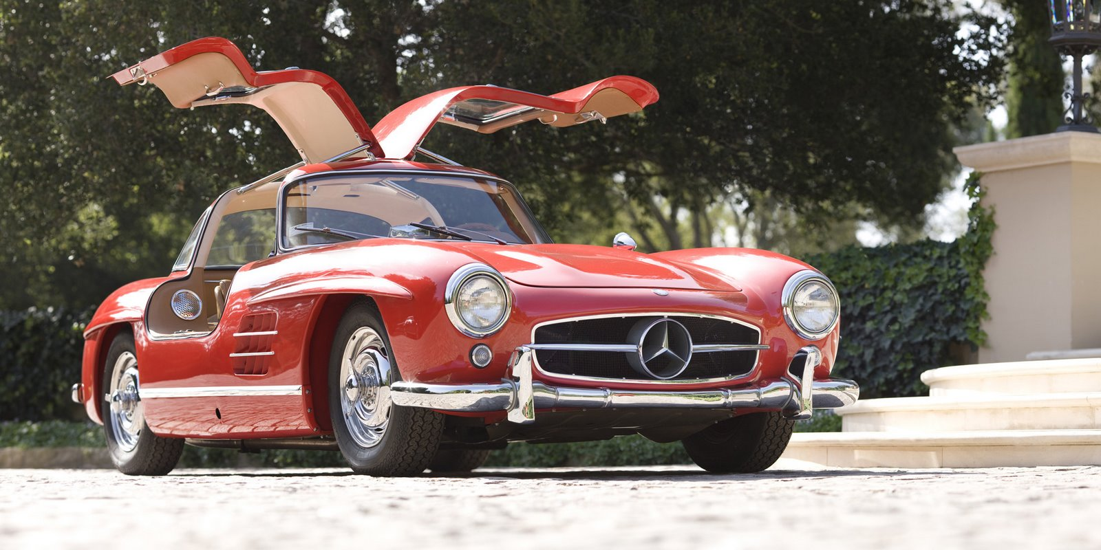 [1954MercedesGullwing_OprahPebbleBeach]