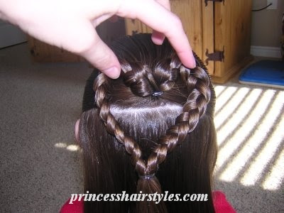Как сделать сердечко из волос на голове