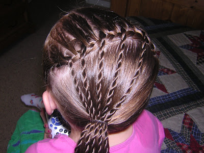 Cute Hairstyle: Threaded Twist Hairstyle